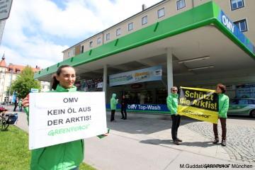 greenpeace_muenchen_omv_oelbohrungen_arktis_tankstellenaktion_20160505_1